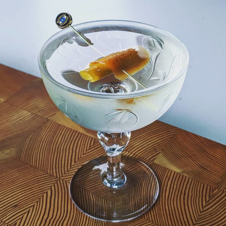 Gin Martini with a Grapefruit Twist
