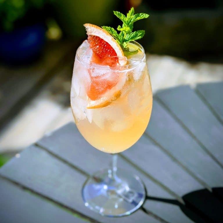 Grapefruit Gin Spritzer